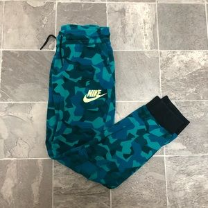 Boys Nike tech fleece jogger sweatpants sz XL